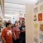 Visitant-la-Exposicio